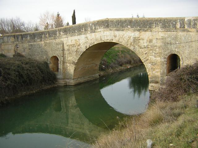 Imagen de puente de piedra